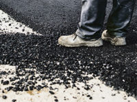 How to Remove Tar Stains From Carpet